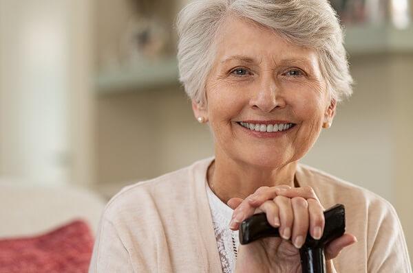 Sorriso bonito de idosos